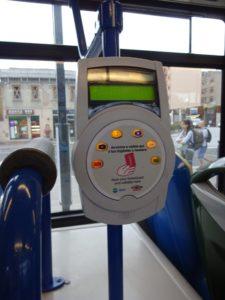イタリア バス改札機
