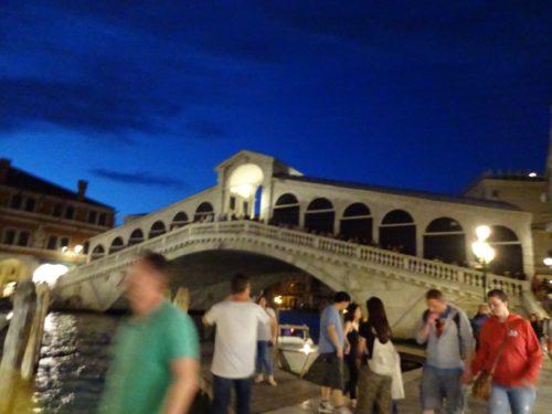 夜のリアルト橋