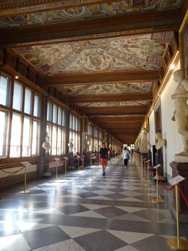 ウッフィツィ 美術館 廊下