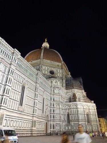 フィレンツェの夜の街並み ドゥオモ