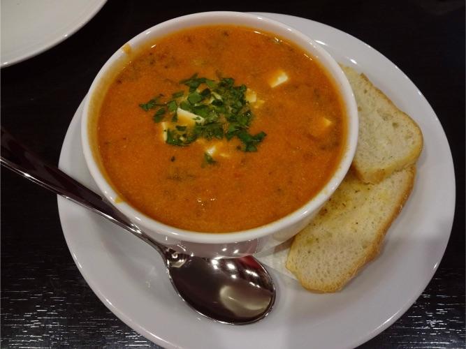 モスクワ空港 TGIフライデーズ スープ