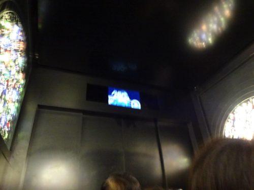 スカイツリーのエレベーターにスヌーピーが!