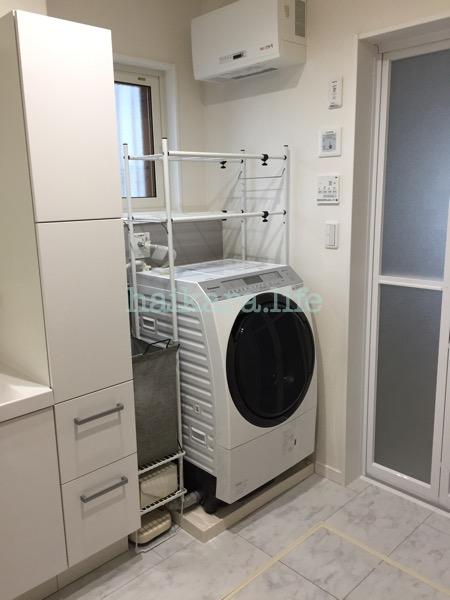 洗面所にダイソーの布製ワイヤーバスケットを設置!